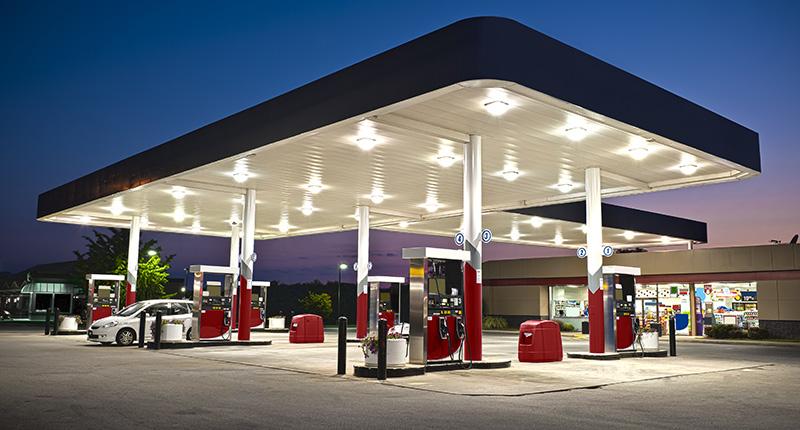 Auch Tankstellen sollte mit der richtigen Sicherheitstechnik geschützt werden.
